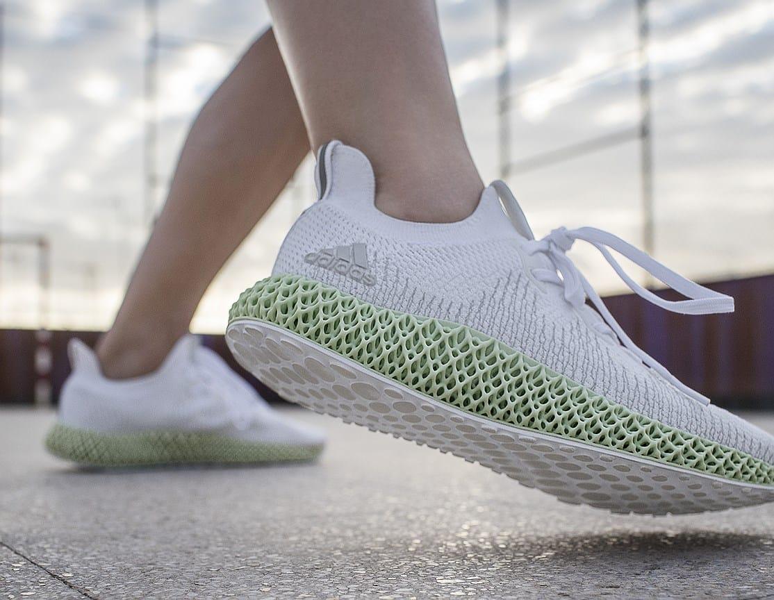 Adidas выпускает кроссовки, созданные на 3D принтере