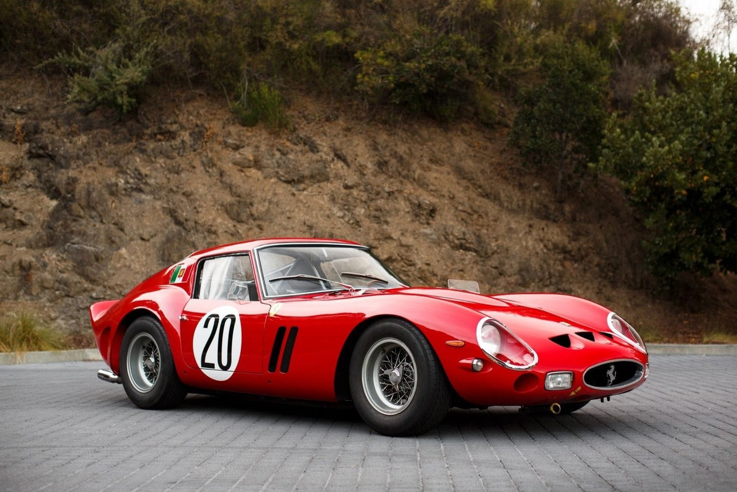 Ferrari 250 GTO retro supercar recognised art