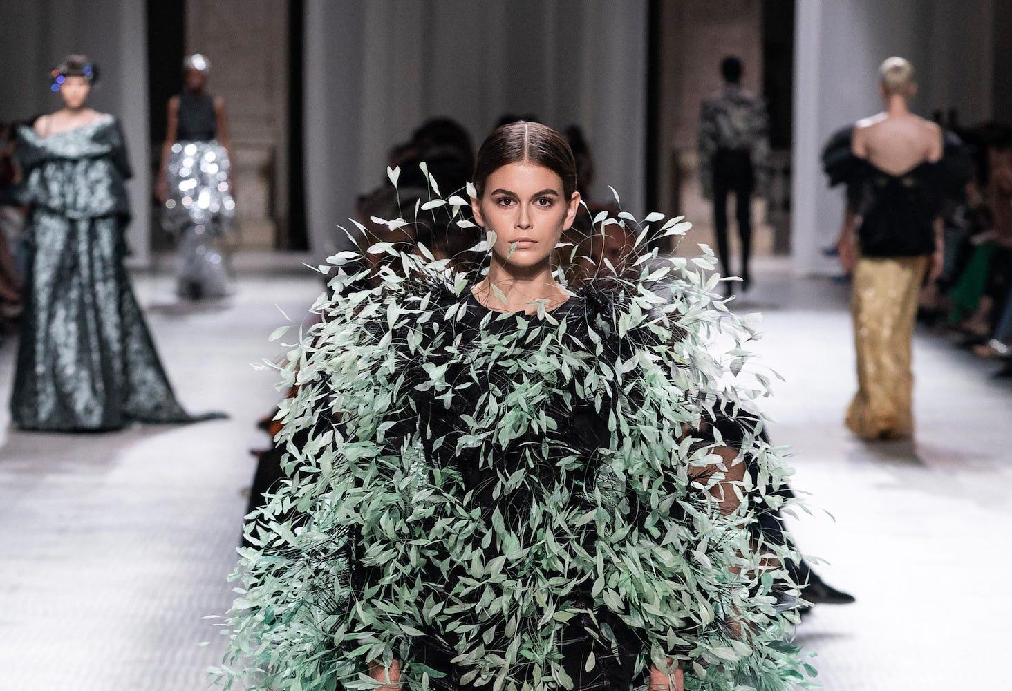 Не идеальная благородная леди: Givenchy haute couture fall-winter 2019/20