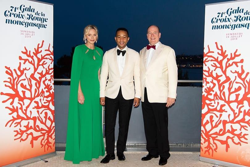 Monaco hosts LXXI Red Cross Ball