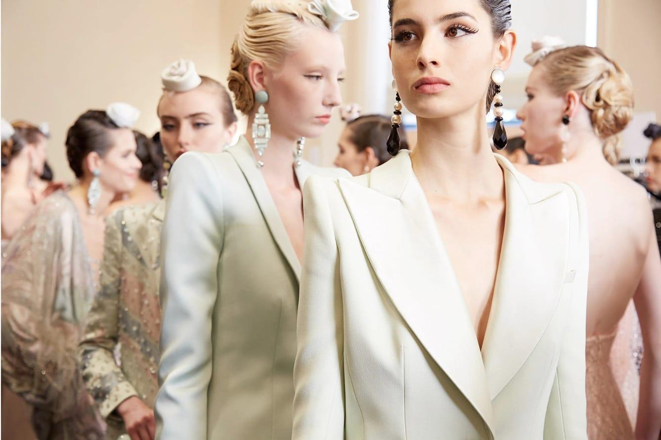 Новые смыслы роскоши: показ Armani Prive haute couture fall 2019/20