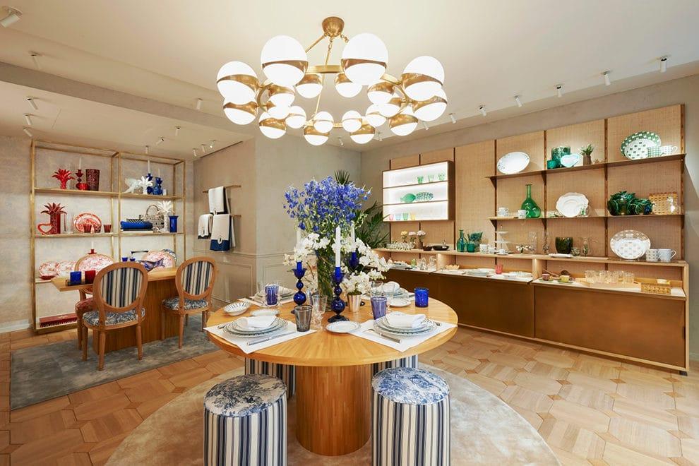 Dior открыл в Париже первый интерьерный бутик