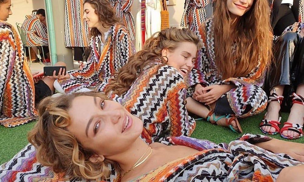 Модные образы знаменитостей на Неделе моды в Милане