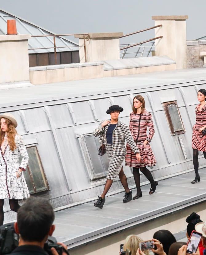 Самозванка вышла на подиум на показе Chanel