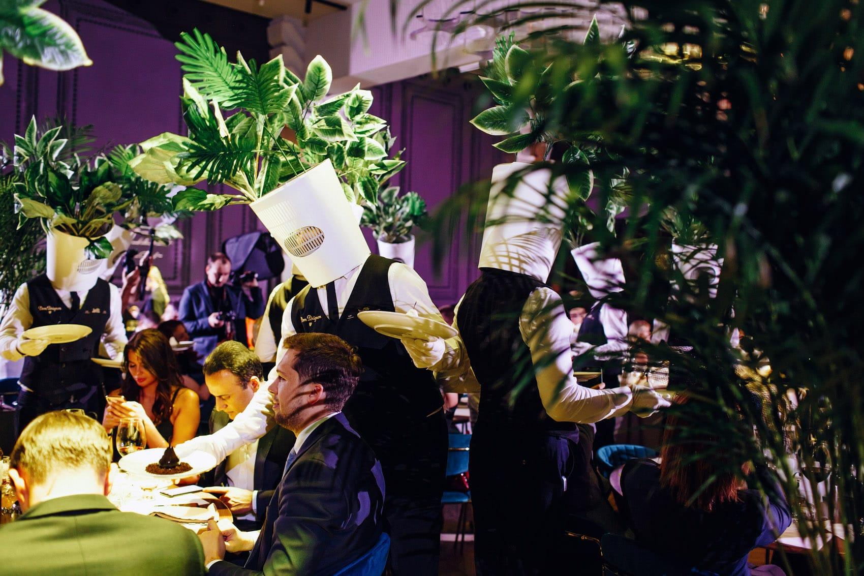 Сюрреалистический ужин в ресторане The Toy Moscow