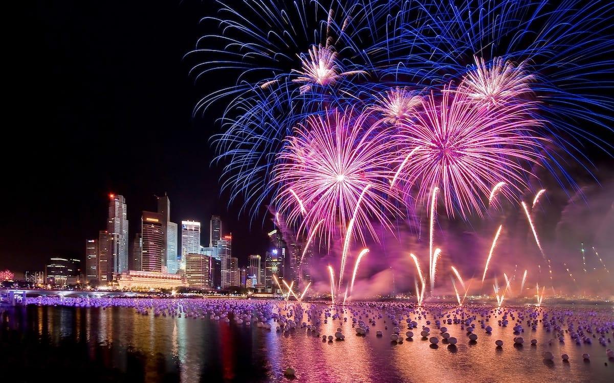 Новогодний салют в Сингапуре