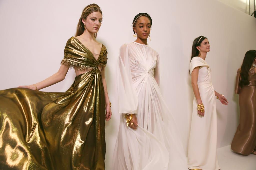 Античные богини в коллекции Dior Haute Couture 2020