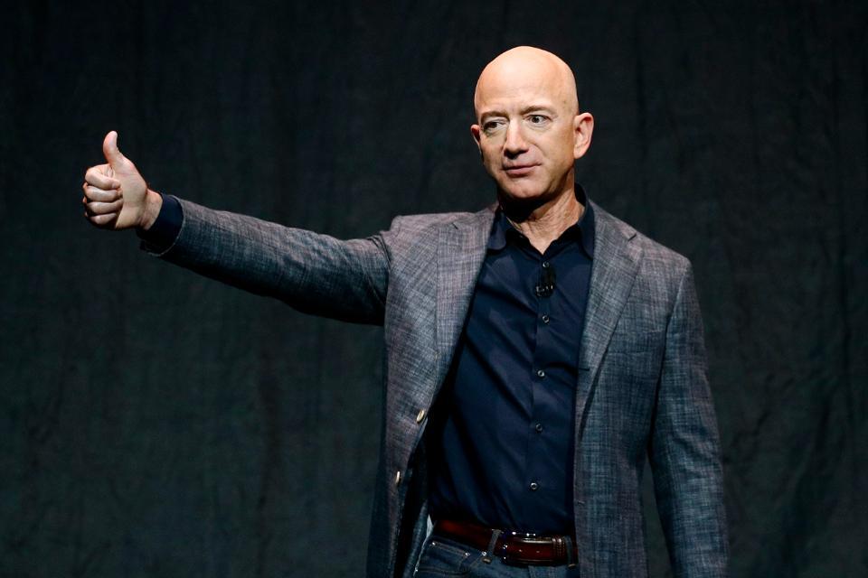 Акции Amazon растут: Джефф Безос разбогател на $6.4 миллиарда за один день