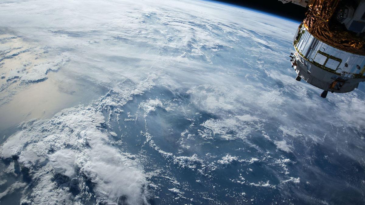 Первый запуск космического корабля Dragon покажут онлайн