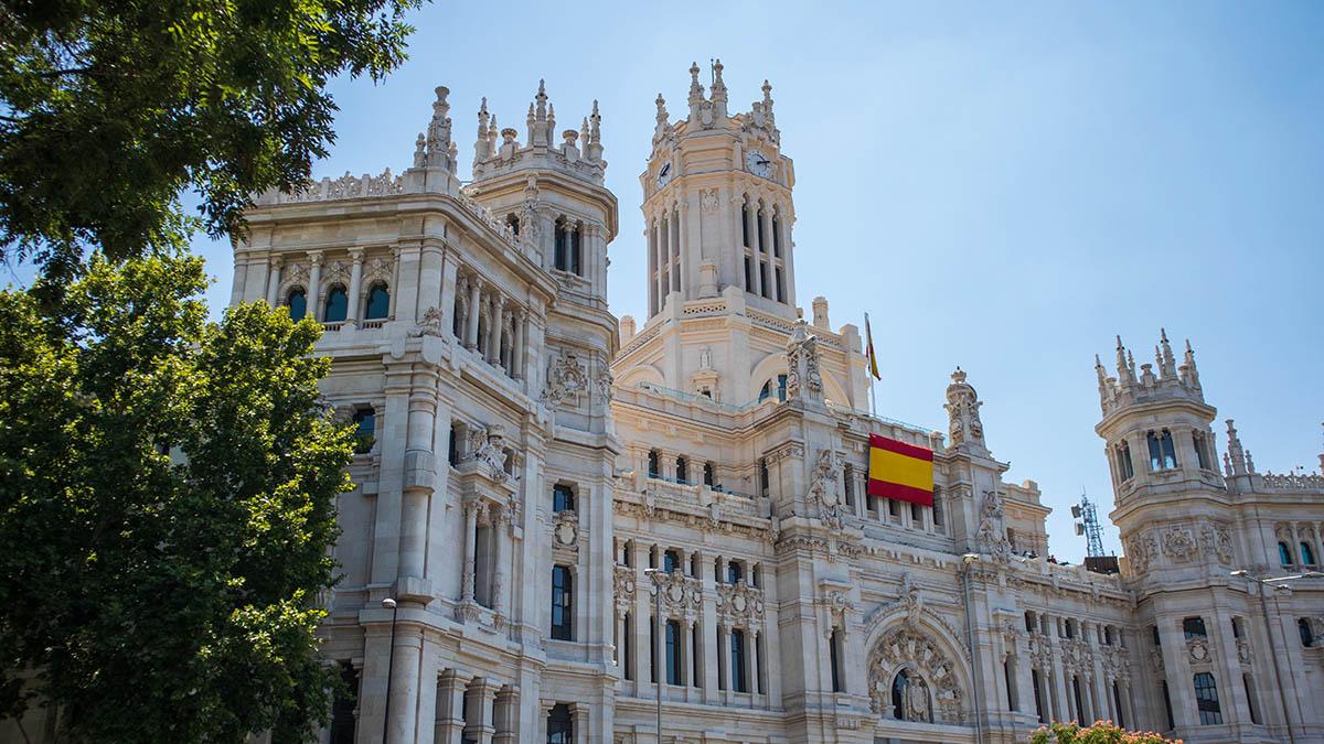 Испания откроет свои границы для туристов в июле