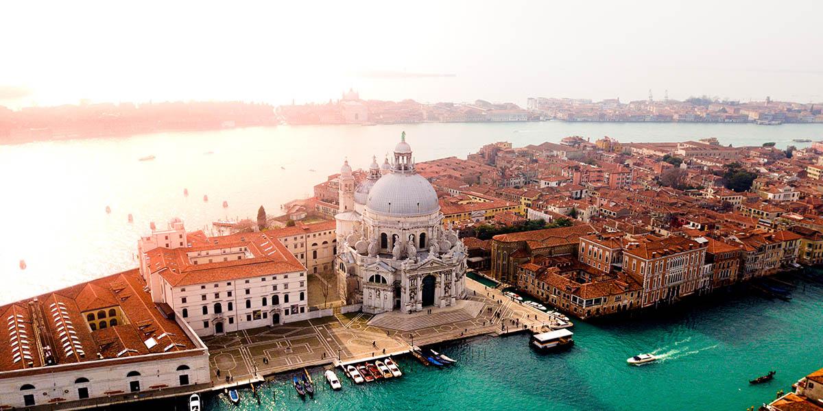 Анонсированы новые даты Венецианской биеннале