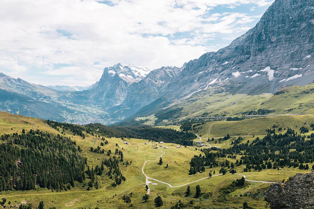 Швейцария планирует открыть границы 15 июня