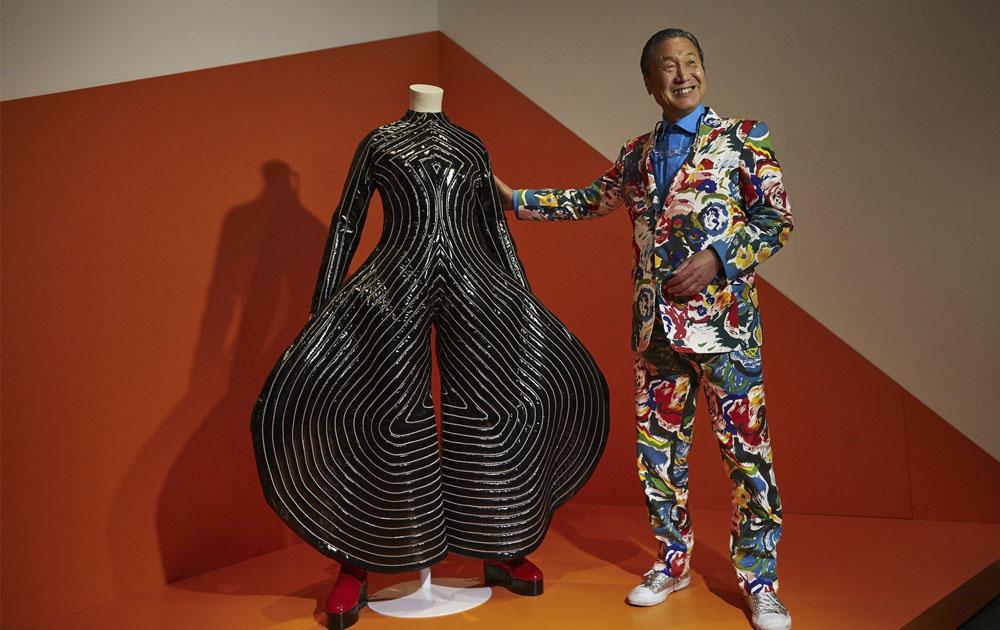 Известный японский дизайнер Кансай Ямамото скончался в возрасте 76 лет