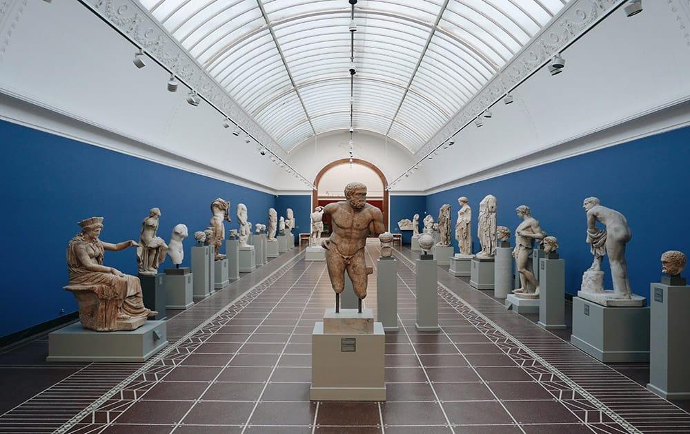 В Нью-Йорке начинают открываться музеи
