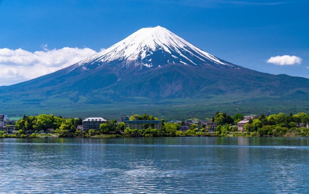 Fuji Dream Airlines организовывают экскурсионные полеты вдруг горы Фудзи