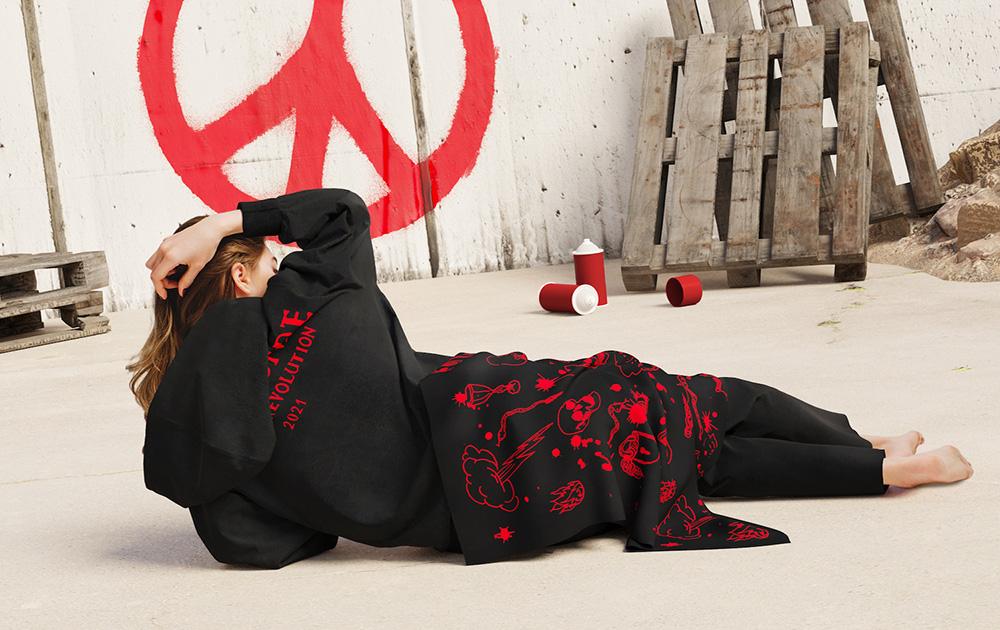 """Бренд TSCH представил новую коллекцию """"Amour et Revolution"""""""