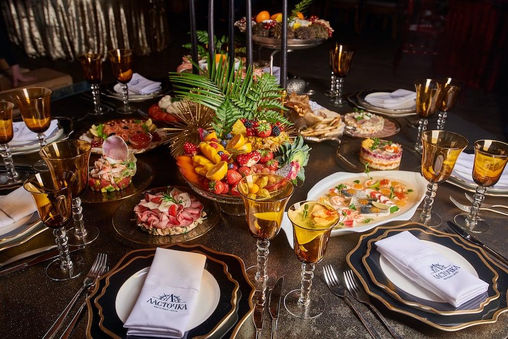 Новогодний декор от Юлии Шакировой и блюда от Yacht Event